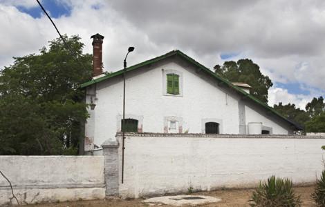 Fachada de vivienda tipo del barrio de trabajadores del pozo Antolín en Peñarroya- Pueblonuevo (Córdoba).