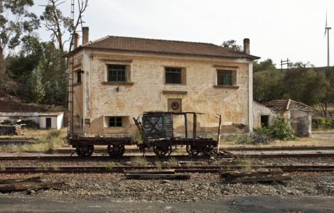 Estación de ferrocarril de Tharsis en Alosno, Huelva. Autor: JCC. Fuente: Minas de Sierra Morena. Los Colores de la Tierra. 2013