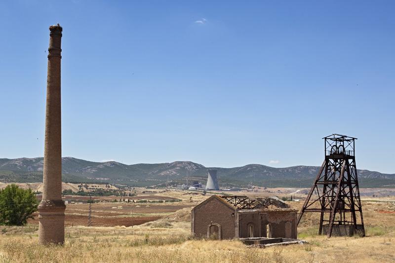 Pozo San Felipe. Cuenca hullera de Puertollano, Ciudad Real. Autor: JCC. Fuente: Minas de Sierra Morena. Los Colores de la Tierra. 2013